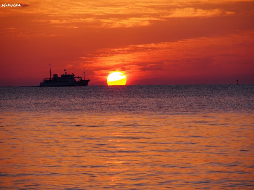父島KANAMEビーチ夕陽