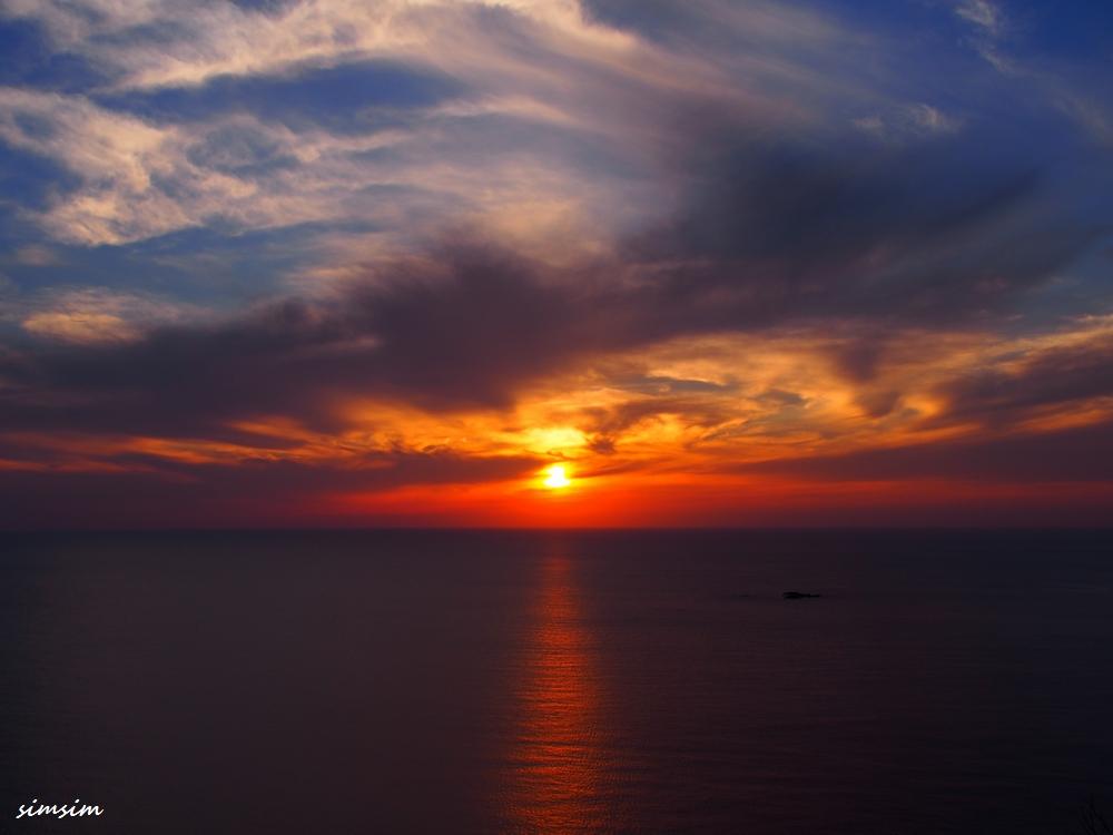 父島ウェザーステーション夕陽
