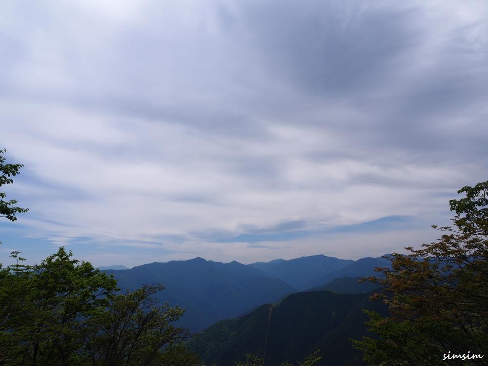 奥多摩川苔山