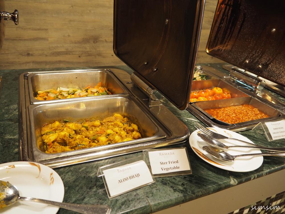 ラドマカトナヤケ朝食