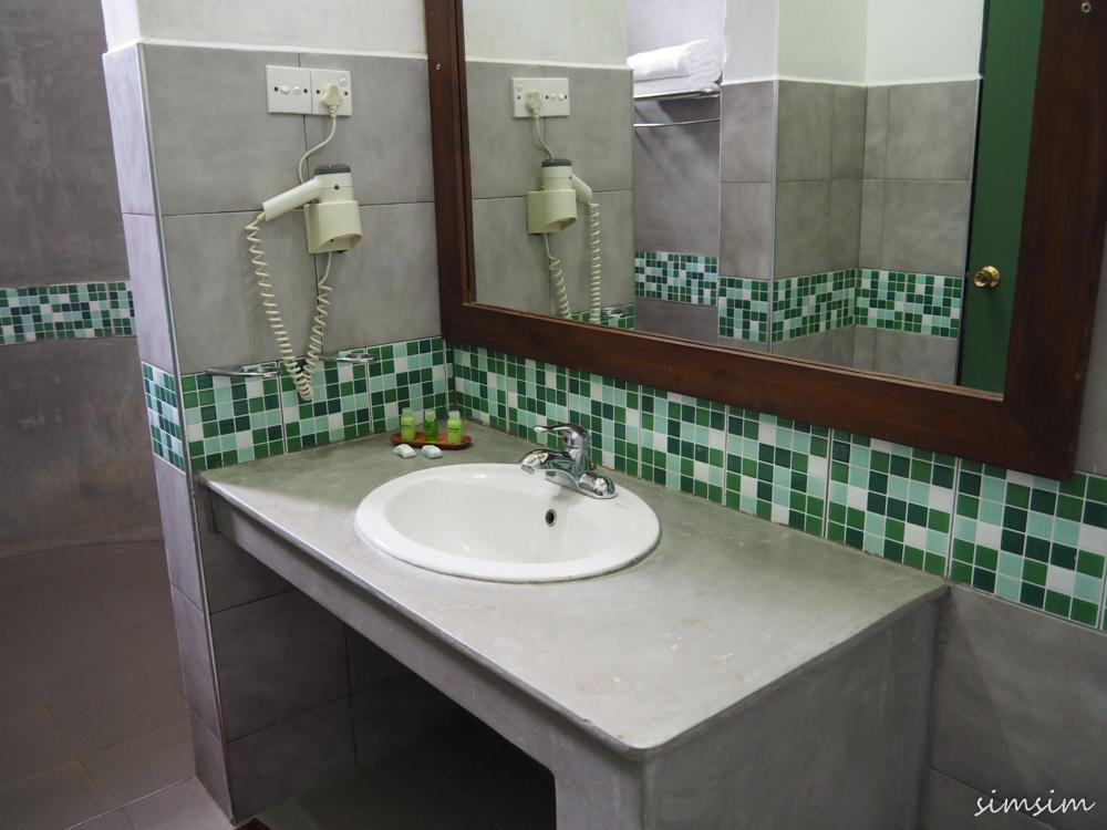 スリランカ旅行エレファントリーチホテル
